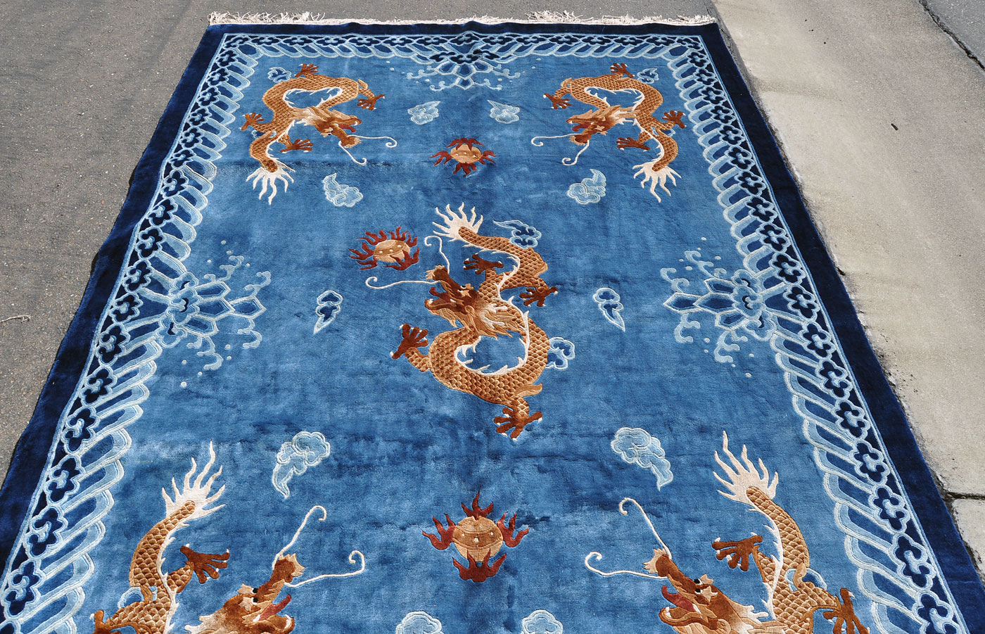Large Chinese Silk Dragon Rug 9 Ft 7 In By 6 Ft 1 In