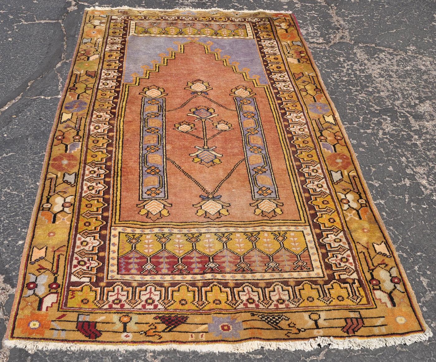 Turkish Ghiordes Prayer Rug